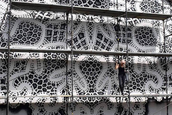 Кружевной стрит-арт в Варшаве от NeSpoon 3