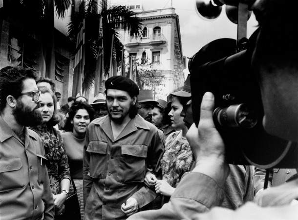 "This handout photo released by La Fabrica on September 1, 2008  shows Cuban-Argentinian Ernesto ""Che"" Guevara (C) walking in the 1960's in Havana. The photo was taken by Cuban photographer Alberto Korda and is included in the book ""Korda, conocido, desconocido"" published by La Fabrica and dedicated to the works of Korda.  AFP PHOTO/ALBERTO KORDA    - RESTRICTED TO EDITORIAL USE - NO SALES - NO ARCHIVES (Photo credit should read ALBERTO KORDA/AFP/Getty Images)"