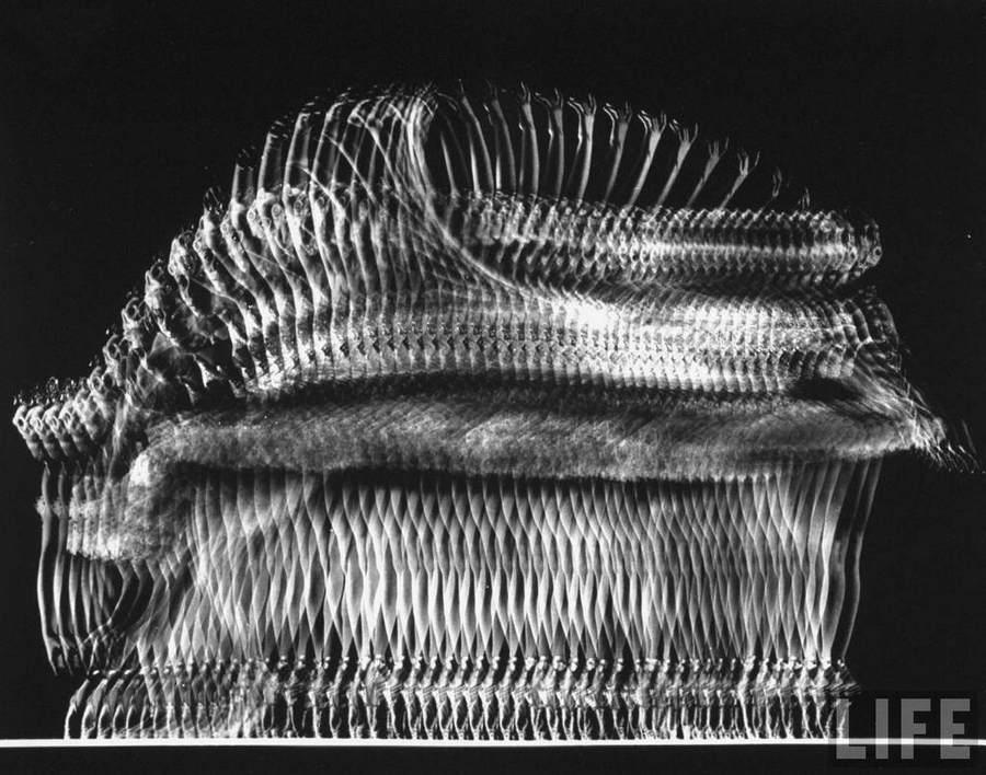 Фотографическая абстракция Гьена Мили (Gjon Mili) 12