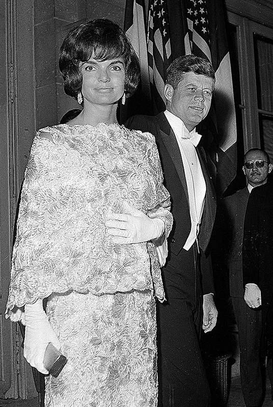 История в фотографиях (1961-1962) Портрет Жаклин Кеннеди, 1961 год
