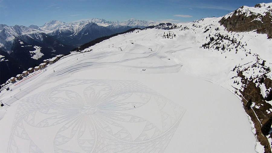 Саймон Бек (Simon Beck) и его гигантские картины на открытом воздухе 10
