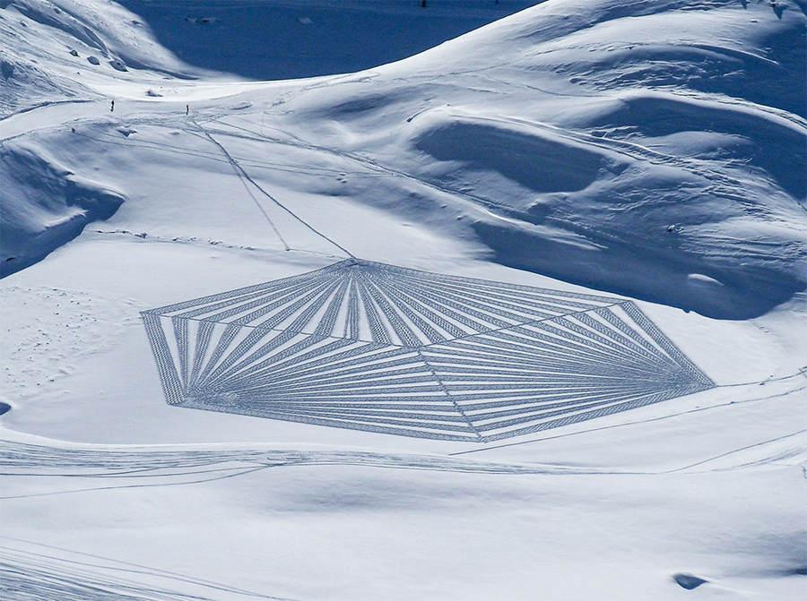 Саймон Бек (Simon Beck) и его гигантские картины на открытом воздухе 5