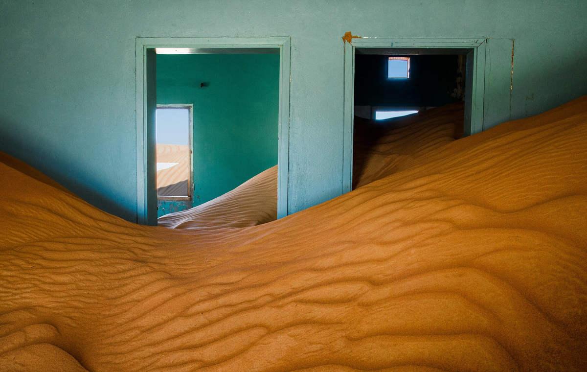 Джесси Ян (Jesse Yang) - фотография дома в аравийской пустыне