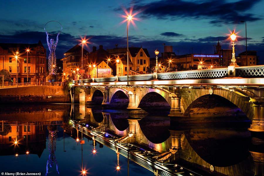 мост Лаган-Вейр через реку Лаган в Белфасте