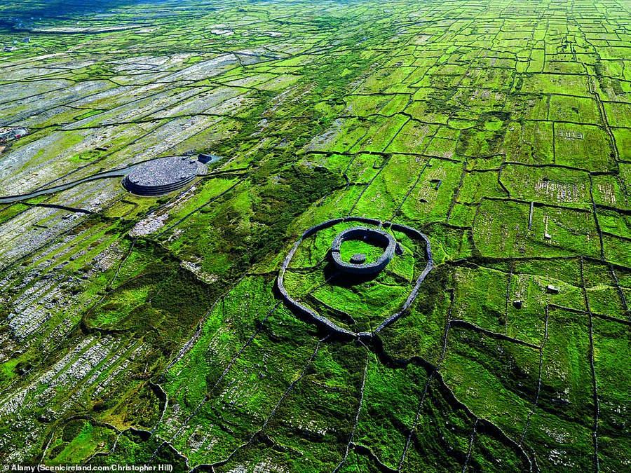 Каменный кольцевой форт Дун Эохла на Инишморе